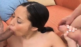 blowjob fitte trekant asiatisk handjob