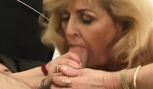 Luscious older lady in nylons Kitty Fox has a excitement for anal sex