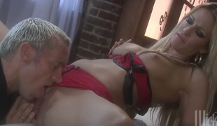 Jessica drake has oral sex pleasure with hard cocked chap