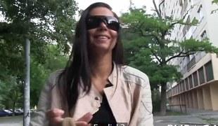 amatør brunette hardcore blowjob offentlig