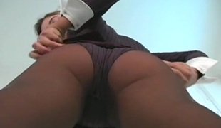 Sexy minx in hawt hose feels severe messy chink itching