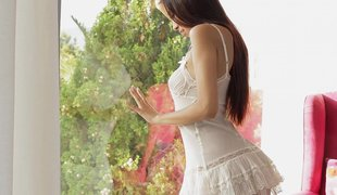 Gorgeous teen hotty loves to spend time alone