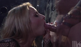hardcore deepthroat blowjob facial trekant