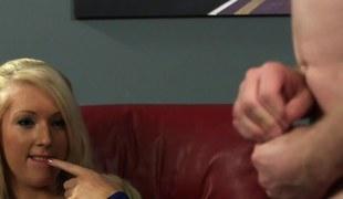 blonde onani femdom