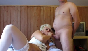 amatør blonde store pupper strømper moden