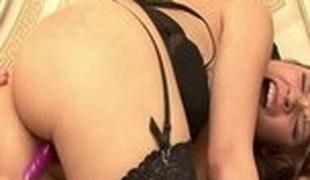 brunette blonde lesbisk store pupper blowjob