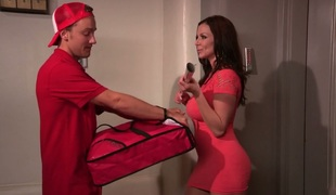 Lucky pizza delivery guy copulates breasty MILF Kendra Lust