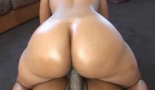 Q2M  So ya like booties, huh?  #2......Essence