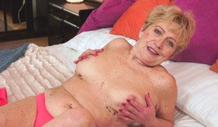 Grandma receives her hairy snatch fucked and her body splattered with jizz