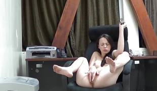 Veronica radke masturbates on cam at work