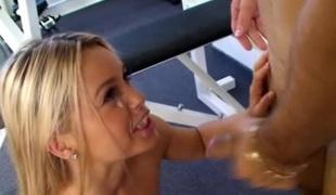 tenåring hardcore blowjob sædsprut små pupper