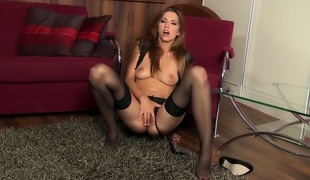 Eufrat gives a closeup of her love gap as she masturbates