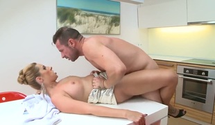 David Perry drills sex starved Daria Glowers mouth just like avid in advance of she acquires assfucked