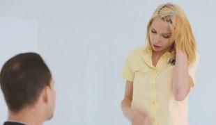tenåring babe blonde blowjob facial